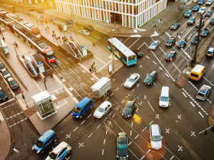 Ein Blick aus dem Stadthaus auf den Kölner Berufsverkehr. Deutz-Mülheimer-Straße, Deutz Foto: Daniel Ullrich