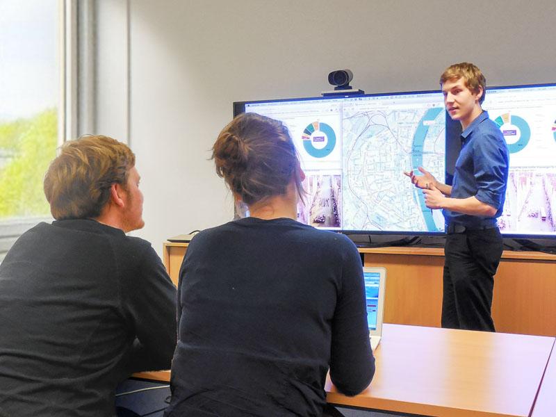 In der Mobilitätsmanagement-Beratung erfahren Mitarbeiter, wie sie die betriebliche und ihre persönliche Mobilität effizienter, umweltverträglicher und gesünder gestalten können. Foto: Daniel Ullrich