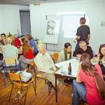 Bei einem Organisationstreffen planen Anwohner in Arbeitsgruppen den Tag des guten Lebens. Foto: Maren Wirths